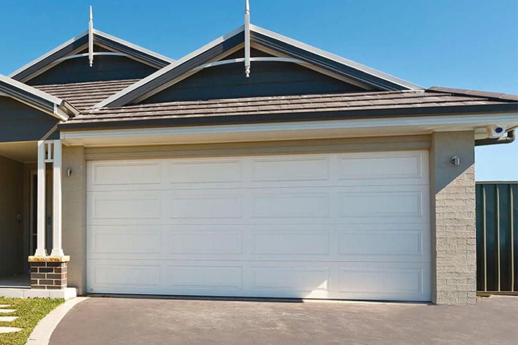 Classic Sectional Garage Door