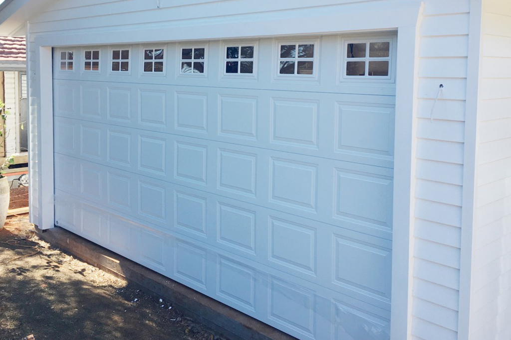 6 Reasons Why You Need to Service to Your Garage Door Annually.