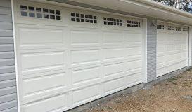 Panelift Garage Door with Monument Windows